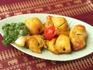 備長炭でふっくらと焼き上げたネパール料理『チキンセクワ』