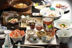 記念日や接待 など、様々なシーンにご利用頂けます会席料理です。 詳細は上段 お食事の中にございます。