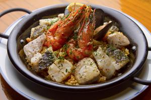 海の幸の旨み『バレンシア風魚介たっぷりのパエリア』