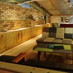 お祝い事のプランや2人でゆっくりできるソファー席など、充実したお店となってます。 美味しい料理・特別なドリンクでお出迎えします。