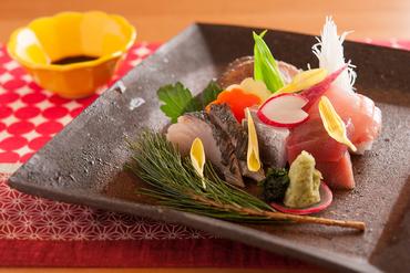 とれたての旬の鮮魚を。鮮度に自信あり『本日の水揚げ お刺身』