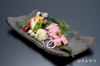 新羅会館 家族亭の料理・店内の画像1