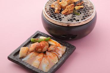 『てっさ』は薄く切り、食感を楽しむふぐの王道料理です
