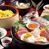 四季折々の彩りが盛り込まれた料理を味わう宴会