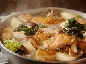 自慢の自家製スープで炊き込んだ鍋料理『阿波尾鶏の水炊き』
