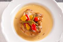 こんがり焼いた肉にバター醤油のソースが絶妙『地鶏の風味焼き』