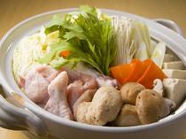 これからの季節にピッタリな、鶏のダシが効いた『鍋』