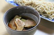 鴨の出汁がソバに程よく絡む『鴨の治部煮ソバ』