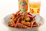 本店『燕郷房』でも大人気の『辣子鶏(ラーズーチー)』。大量のとうがらしで炒めたパンチのある逸品。