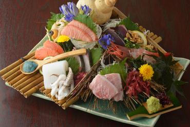 新湊、氷見、金沢から毎日仕入れる新鮮な『お刺身盛り合わせ』