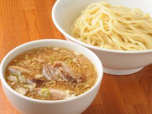 うどんのような喉ごしと食感を楽しめる『つけ麺』