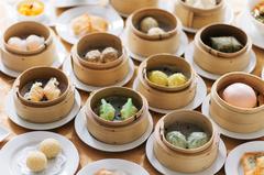 飲茶の他にもエビチリや酢豚などの一品料理や、人気の白金坦々麺も食べ放題になります。