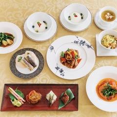 北京ダック、フカヒレなどベーシックなお料理をプリフィックスのスタイルでご堪能下さい。