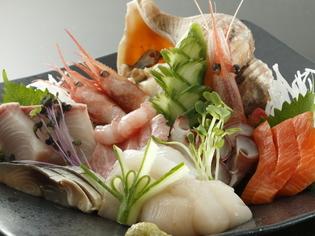 お客さまの喜ぶ顔が見たくて、サプライズで高級魚が入ることも