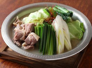コラーゲンがたっぷりな 『地鶏白湯鍋』