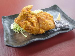 新潟ではおなじみ、カレー味の『半羽からあげ』