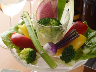 地産地消の野菜で味わう『ジータ的 バーニャカウダ』