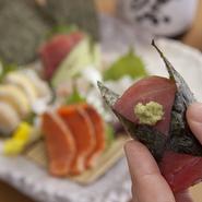 お好みで手巻き寿司にしてどうぞ。「お客様を喜ばそう」という店長の心意気がうれしいお店です。