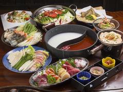 海鮮白湯とチゲ鍋が一つのお鍋で楽しめる欲張りなコース!!