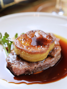 贅沢な味わい『和牛フィレとフォアグラのロッシーニ』