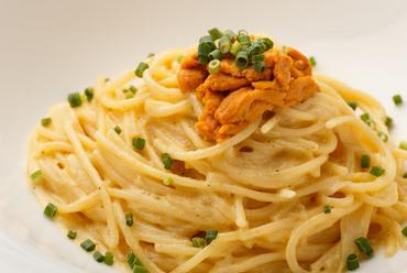 前菜~メイン、デザートまでが一度に楽しめるお得なコースが3000円~ご用意 カクテルも300種以上が飲み放題