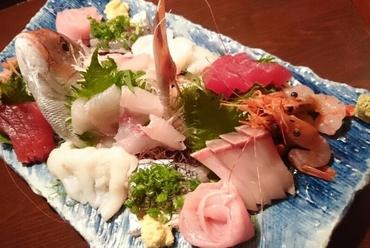 日本海と太平洋から新鮮な海の幸を『お造り盛り合わせ』