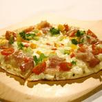 琥珀ベーコンと彩り野菜のピザ (L)