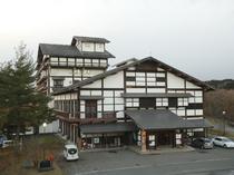 趣のある建築物「国民宿舎衣川荘」6階にある絶景レストラン