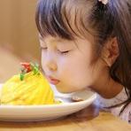 """""""アツとろ""""が絶品!季節野菜を盛り込んだ『ラクレットチーズ』 ※冬季限定。"""