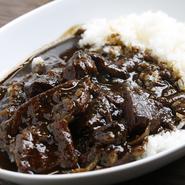 焼肉以外にも『和牛肉カレー』や『いちよし丼』、『盛岡冷麺』など一品料理も豊富なので、大人から子どもまで大満足できます。品質の良い美味しい肉と料理を家族や会社仲間と楽しめます。
