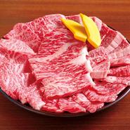 ボリュームある赤身の上肉4種類 ご来店のお客様の大半が注文されている一番人気のセットです