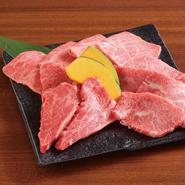 2名様用:4000円、3名様用:6000円 本日のおすすめな特選のお肉です※お肉の内容は日によって変わります