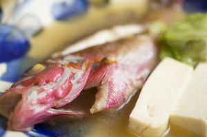 新鮮な魚の旨みがスープに溶けた『昔ながらのイマイユマース煮』