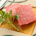 料理全7品・和牛の網焼きをはじめ、お造りから牛握りまで楽しめるコースとなっております。