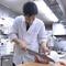 すき焼と日本料理をつくる、2人の料理人が腕を振るいます