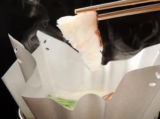 【人丸花壇 鯛庵】では『鯛のふりふり鍋』と名付けました