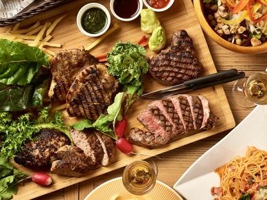 じっくり焼き上げたお肉が決めて「肉盛りグリルカーニバル」3時間飲み放題付コース4500円