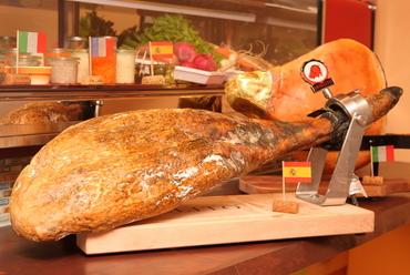 スペイン産生ハムの最高峰 ホセリート社『ハモン イベリコ ベジョータ』