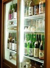 日本酒・焼酎各種とりそろえております。