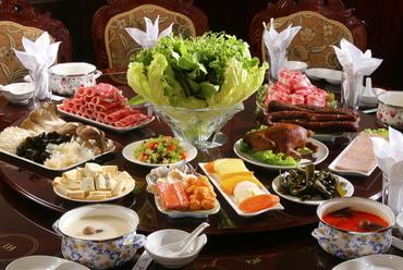 本場の中華しゃぶしゃぶをお好きなだけ。当店自慢の「食べ放題」