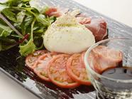 イタリア直輸入のチーズを堪能『ザ・キングオブカプレーゼ』