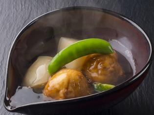 食材の持ち味を大切にした『レンコンひりゅうずと聖護院かぶ煮』