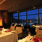 21Fの最上階から広島の景観を楽しみながら食事を味わう
