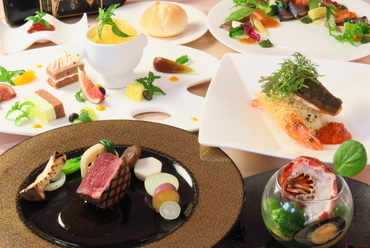 季節の食材をふんだんに使用したランチ・ディナーコースをご用意