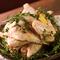 料理によって仕入れる比内地鶏の月齢を変えています