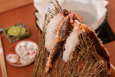 活け蟹だからこその味。新鮮な身を堪能『刺身』(活けたらば)