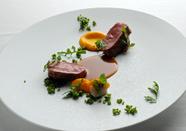 郷土料理の良さを盛り込んだ『仔羊のロースト』