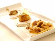 ジャンドゥーヤのムースが入ったモンブラン リリアーナ風と洋ナシのソルベ パイナップルのマリネ添え