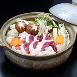 選び抜いた中札内鶏を使用した水炊きのコース。