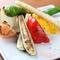 旬の厳選素材『オーガニック野菜の炭焼き 四種の岩塩添え』